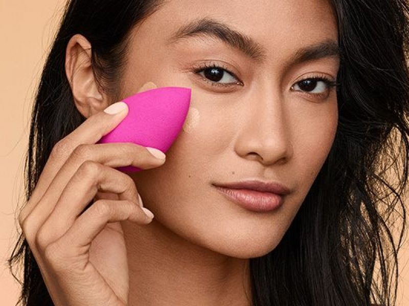 How to apply foundation like a pro