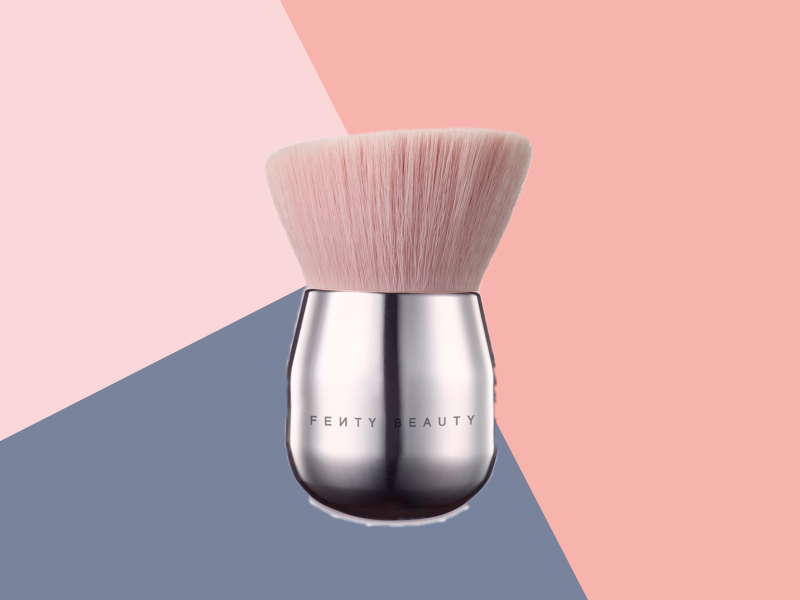 Best makeup brush featured