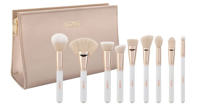 Iconic Complete Face Set makeup brush