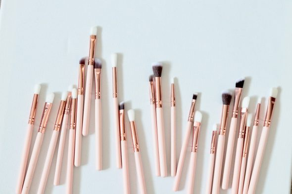 Natural vs. synthetic makeup brushes: What's the difference