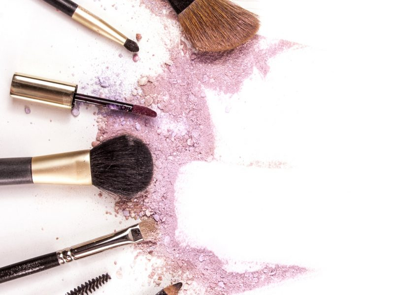 Natural vs synthetic brushes what's the difference