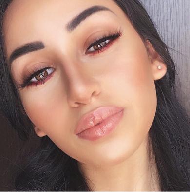 Lower lash line eyeshadow looks