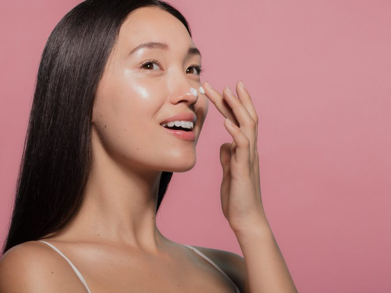 How best to apply skincare and makeup