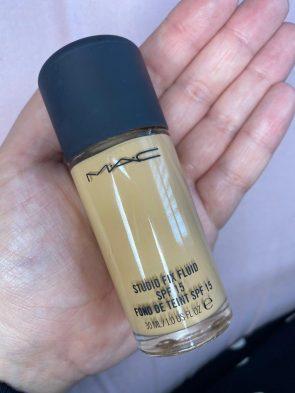 MAC Studio Fix fluid foundation shades review